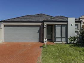 31 Traminer Way, Pearsall