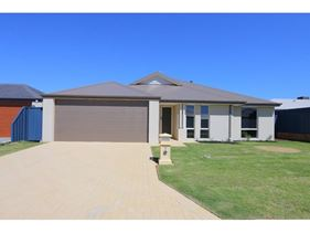 30 Primrose Loop, Byford