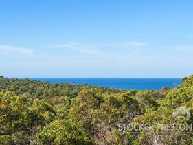 18 Lancelot View, Eagle Bay