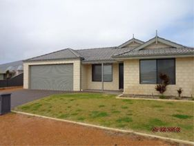 8 Stormking Loop, Wandina