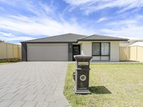 4 Merlot Way, Pearsall