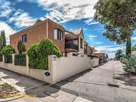 11/22 Knutsford Street, North Perth