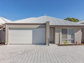 3/12 Willespie Drive, Pearsall