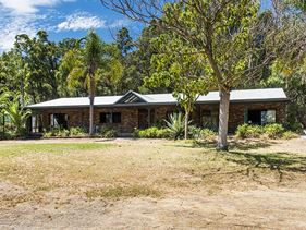 141 Lawnbrook Road West, Walliston