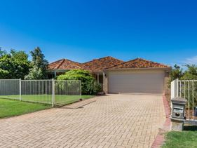 6 Pyrenees Court, Caversham