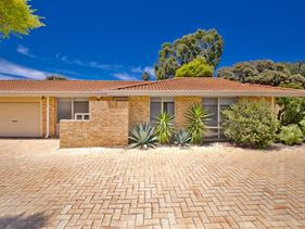 9/10 Dolan Way, Lockridge