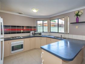 3/11 Exmouth Place, Thornlie