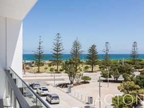 302/17 Freeman Loop, North Fremantle