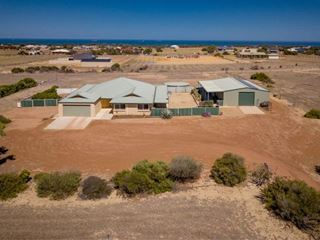 32 Wittenoom Circle, White Peak