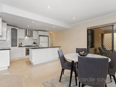 4/33 Wattle Mews, Hocking