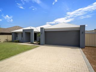 31 Reef Boulevard, Drummond Cove