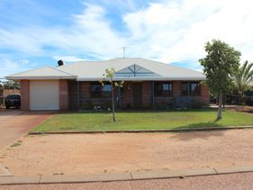 16 Campbell Way, Exmouth