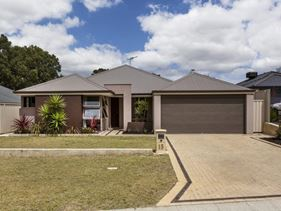 15 Waterfields Drive, Bertram