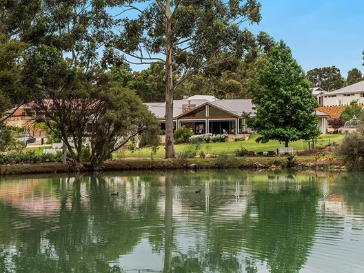 25 Vincent Lookout, Bedfordale