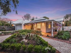 2 Harvey Street, Peppermint Grove