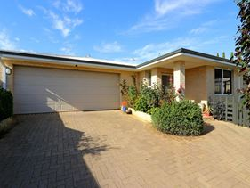 23 and 25 Lilac Hill Vista, Madeley