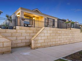 3 Agata Lane, Hammond Park