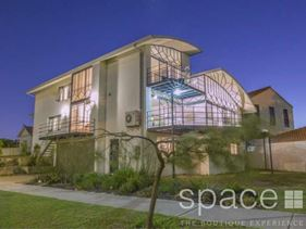 2 Branksome Gardens, City Beach