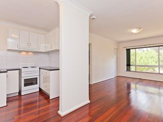2/32 Bussell Road, Wembley Downs