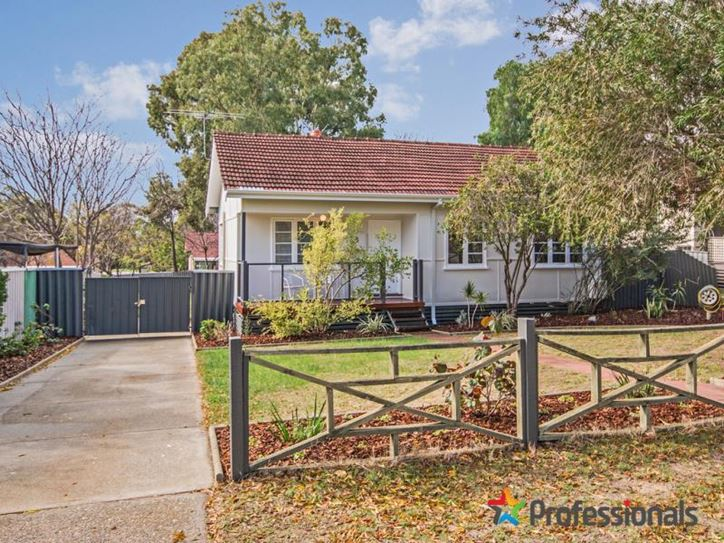 66 Crabtree Way, Medina - 1