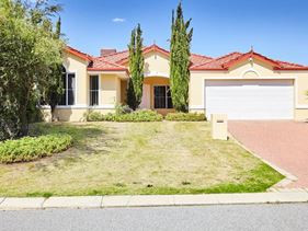 11 Beedelup Loop, Bibra Lake