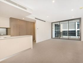 215/8 Moreau Parade, East Perth