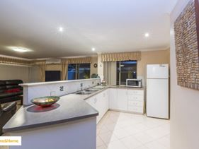 9 Pickworth Retreat, Pelican Point