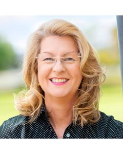 Karen Wood Real Estate Agent